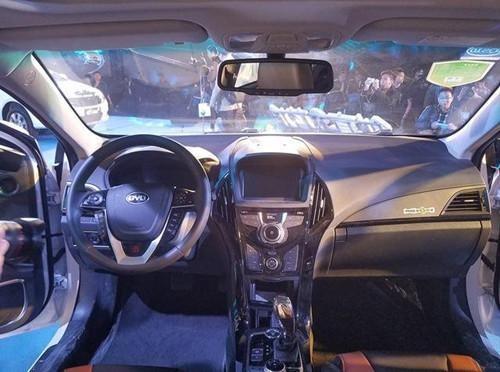 比亚迪秦EV300