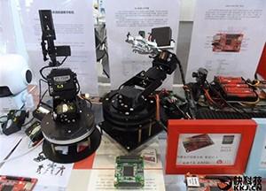 国产核心科技 龙芯机器人控制器首次亮相