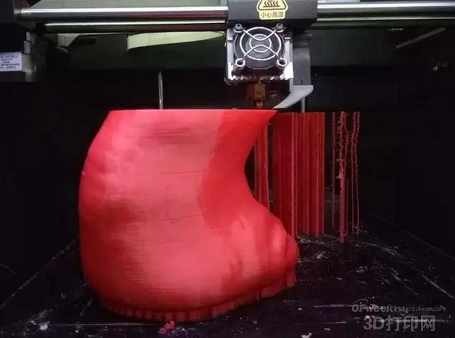 3D打印真实还原犀牛角被割下后惨烈场景