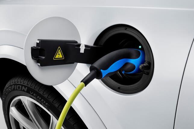 充电模式和换电模式,哪一种更适合消费者?