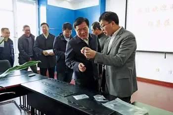 哈工大制备出首个高性能石墨烯散热片 已和华为签下意向合同