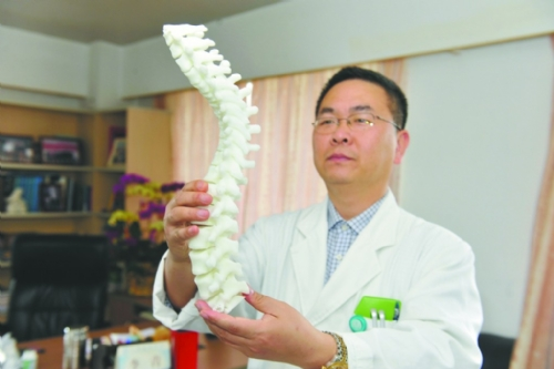 3D打印技术成功用于青少年脊柱矫形