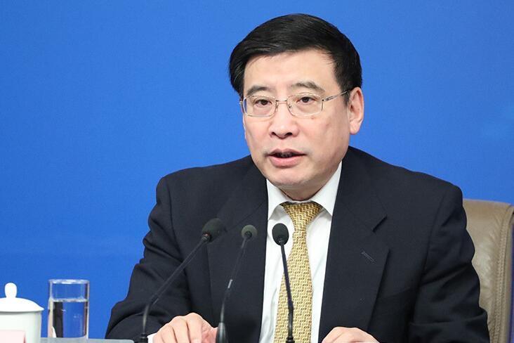 苗圩:要求企业掌握全套新能源汽车技术 是为避免钻政策空子