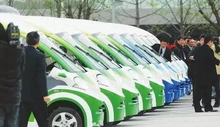 超百家企业,数千亿投资!他们吹起了一个大跃进般的新能源汽车时代