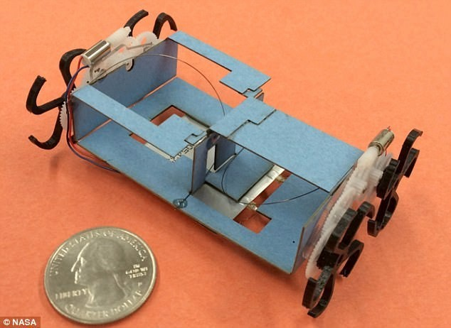 NASA研发新款机器人 可折叠到巴掌大小