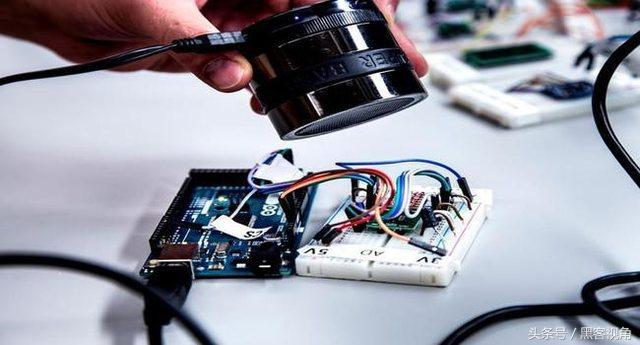 仅用5元扬声器入侵手机、物联网?密歇根大学公布最新黑客技术