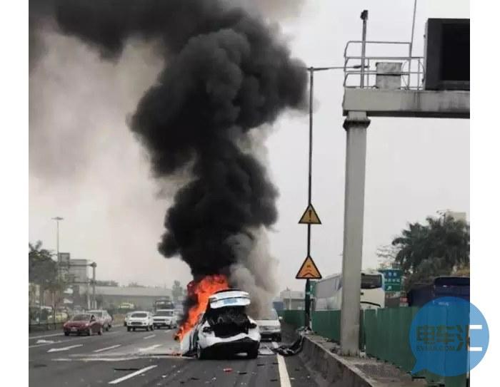 特斯拉Model X全球首起爆炸起火,中国车主受重伤