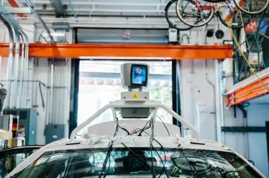 谁才是无人驾驶的未来:激光雷达PK摄像头