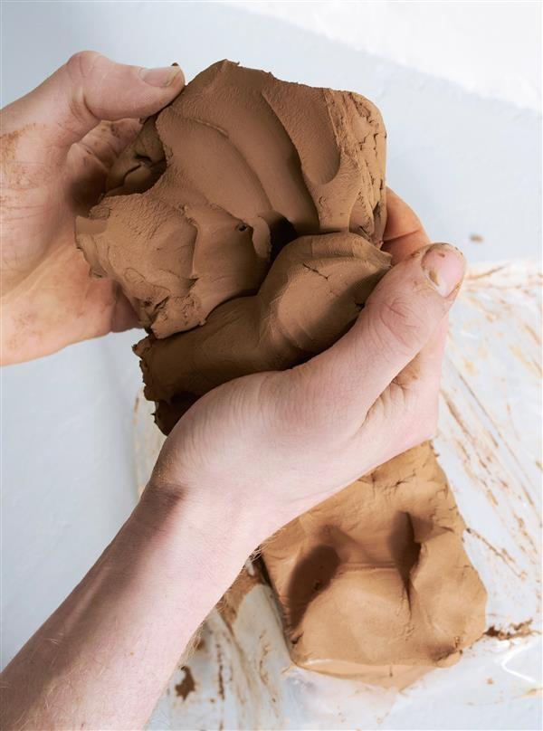 荷兰设计师联合时尚品牌COS推出限量版3D打印花瓶