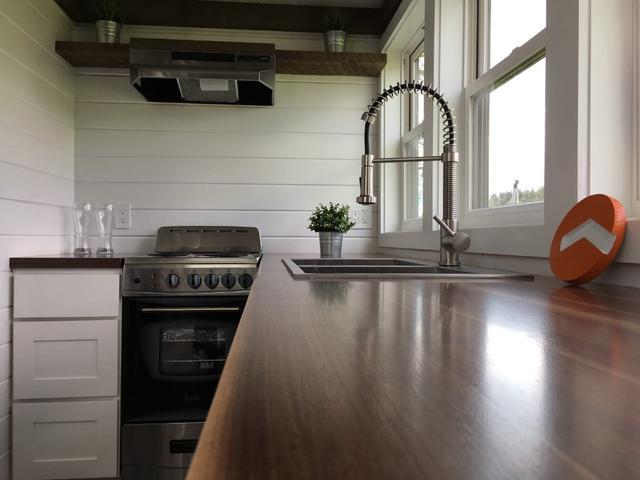 蜗居小木屋搭配智能家居:可用太阳能供电