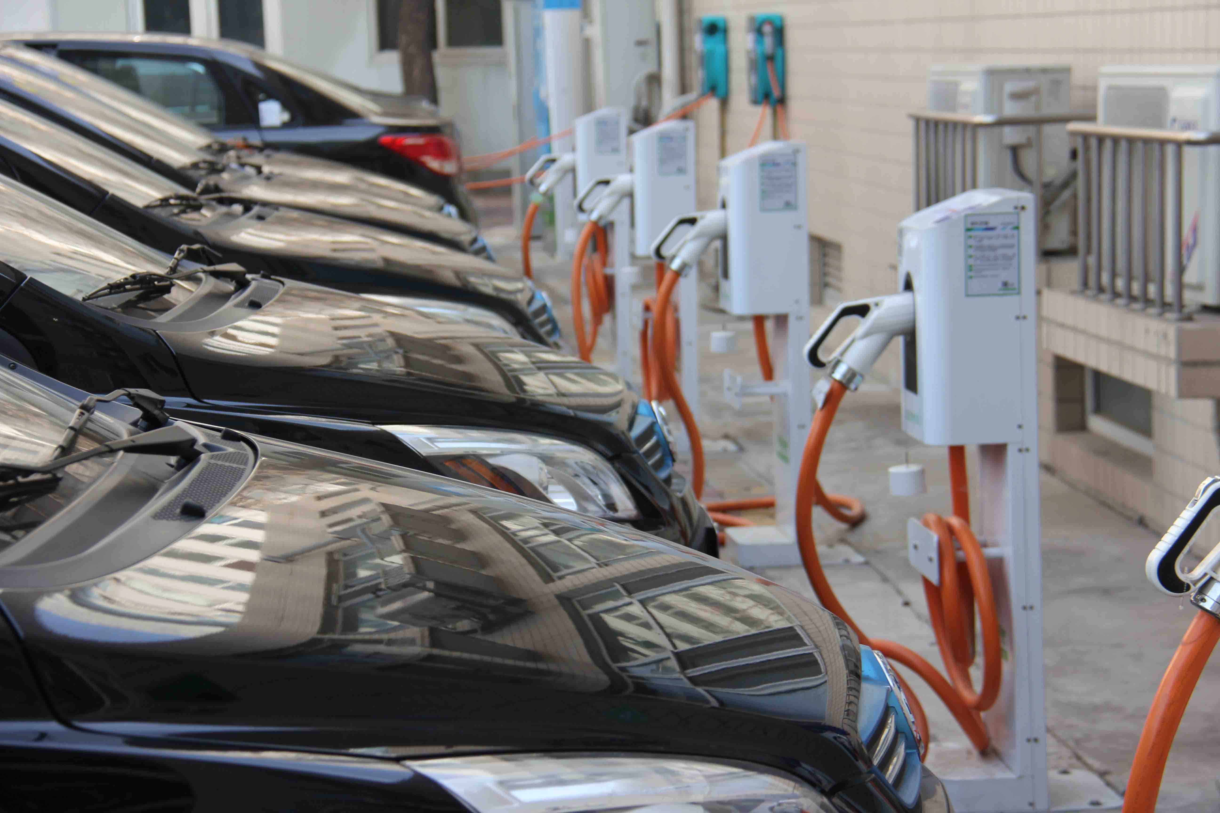补贴审核变严 2016年首批新能源车申报近10%遭拒