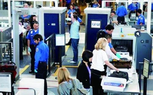 美机场对个人电子设备实行更严格安检程序
