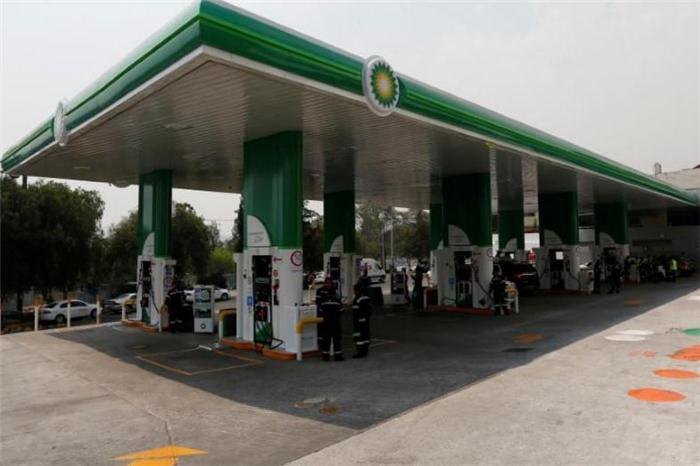 英国石油公司欲促成电动车充电站合作