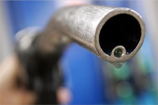 """国际能源署:电动汽车2040年突破3亿辆 全球石油需求正面临增长""""天花板"""""""