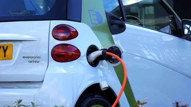 双积分搅动新能源汽车市场:雷诺也坐不住了!