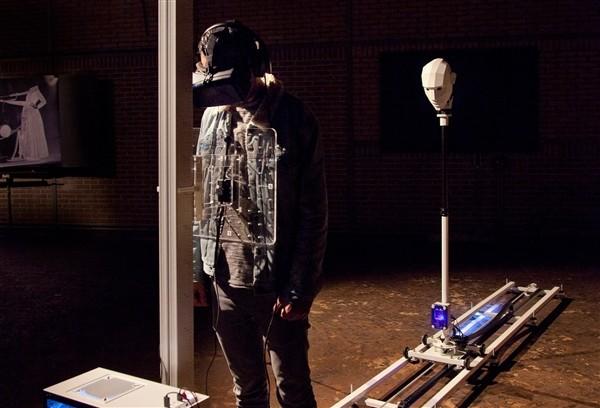 灵魂出窍是什么样子的感觉?这VR头显可以带你体验