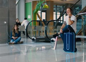 真是太酷了 一个完全自主的行李箱型机器人