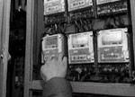 郑州市民俩月用电3036度 智能电表里有猫腻?