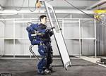 为了不被机器人取代 未来工人要变成半机器人?