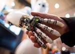 比尔?盖茨错了:解决AI抢工作问题的方法是培训,而非税收