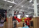 """特斯拉""""外星人战舰""""机器人工厂正在不断成型"""