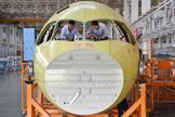 国产大飞机C919今日首飞 中国走向制造强国行列