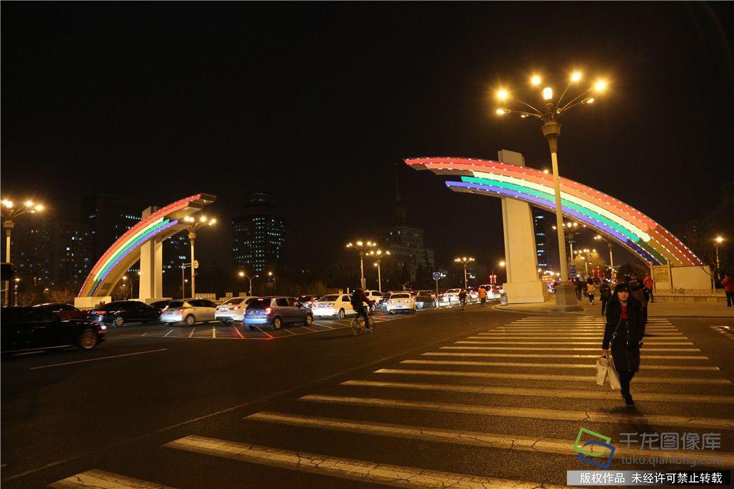 长安街彩虹门全新亮相:图案更多变更节能环保
