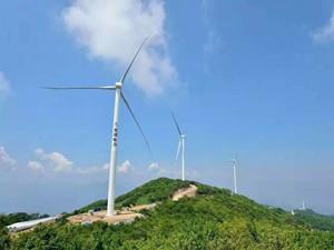贵州达棒山风电项目首台发电机组开始正式吊装