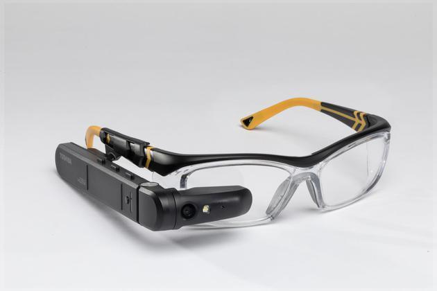 东芝推分体式智能眼镜dynaEdge