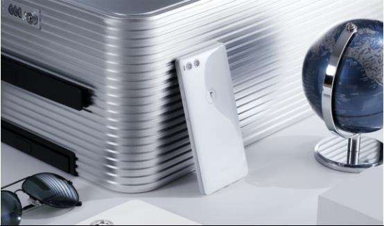 """佛系坚果R1 """"8+512GB版本""""彪悍来袭,这次挑战的不仅是手机"""