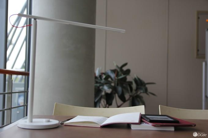 小米LED智能台灯简析:与飞利浦/欧普照明等品牌相比 谁性价比更高?
