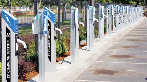 氢燃料汽车,纯电动汽车,续航里程,丰田,充电设施